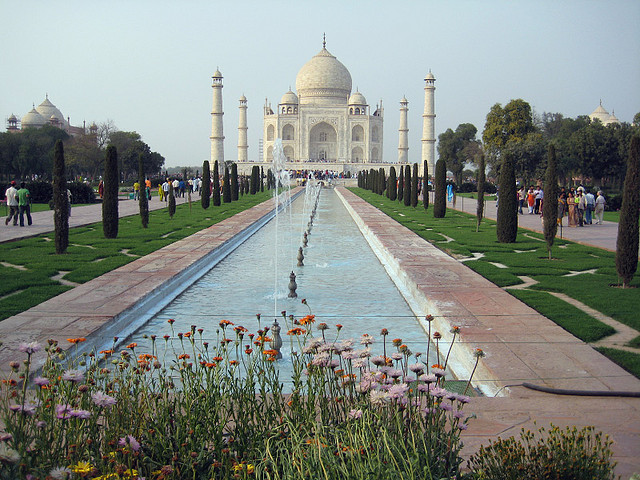 : An iconic image of the Taj from afar. Photo by snikrap via Flickr, and licensed under the Creative Commons.