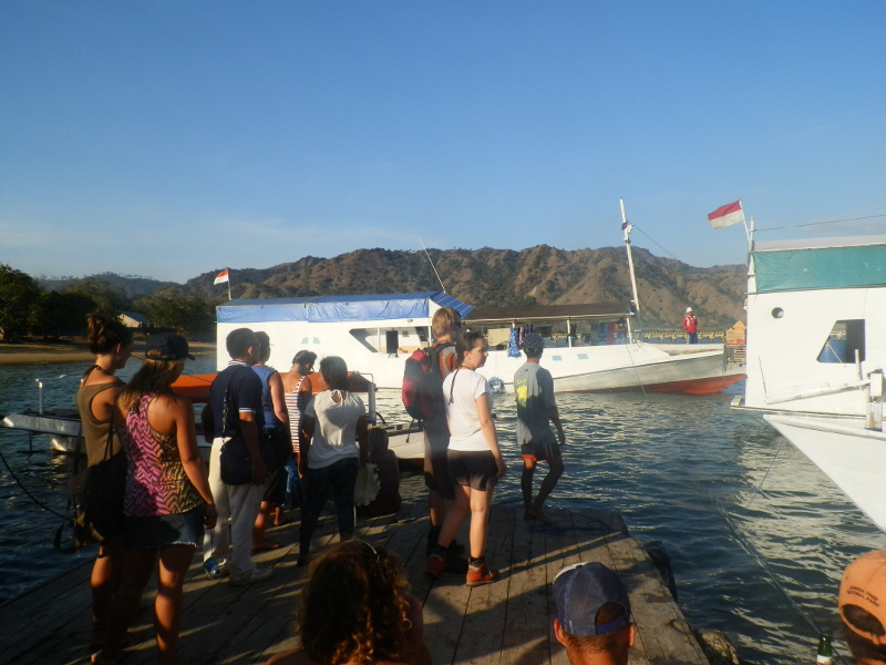 Indonesia boat cruise to Komodo Islands
