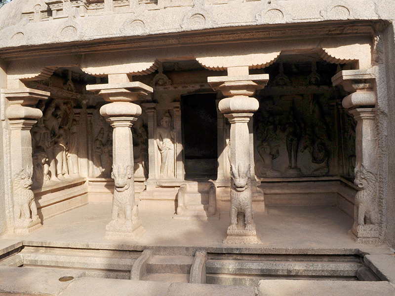 see Varaha Mandapam while travelling in Southern India
