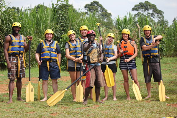 TheTravelingCEO's rafting crew and the Adrift guide, Tutu_800