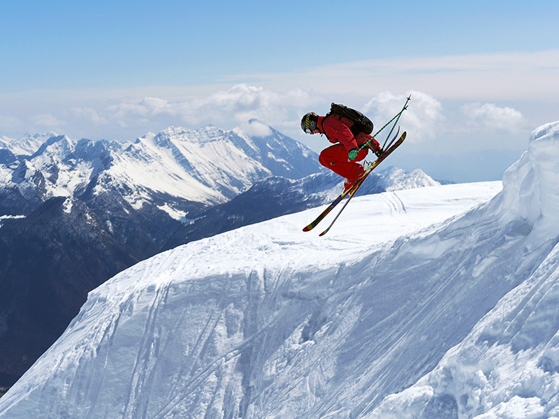 More Sports, More Winter. Wintersports Insurance Arrives