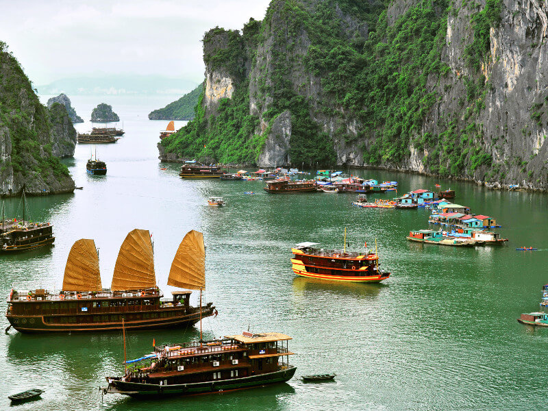 baie d'ha long, site de l'unesco