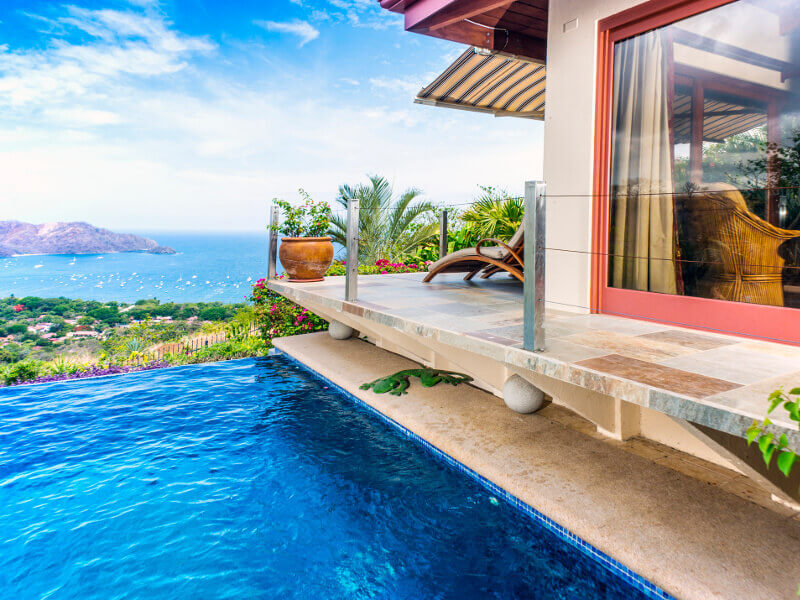 Live pura vida on your next winter getaway in one of the many vacation homes of Costa Rica.