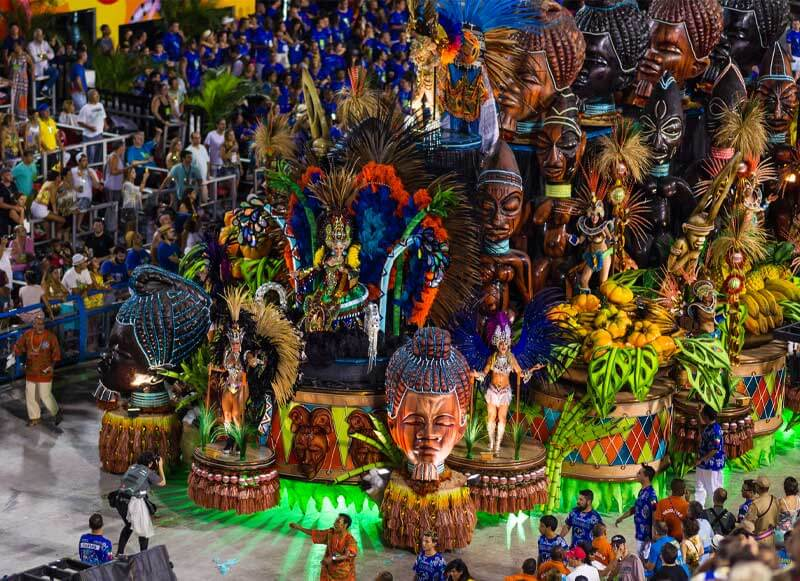 The Carnival in Rio de Janeiro is often considered the biggest festivals in the world. Apart from large-scale samba competitions in specifically designated venues called Sambódromos, massive street parties, live music and concerts also keep everyone dancing, drinking and distracted around the clock.